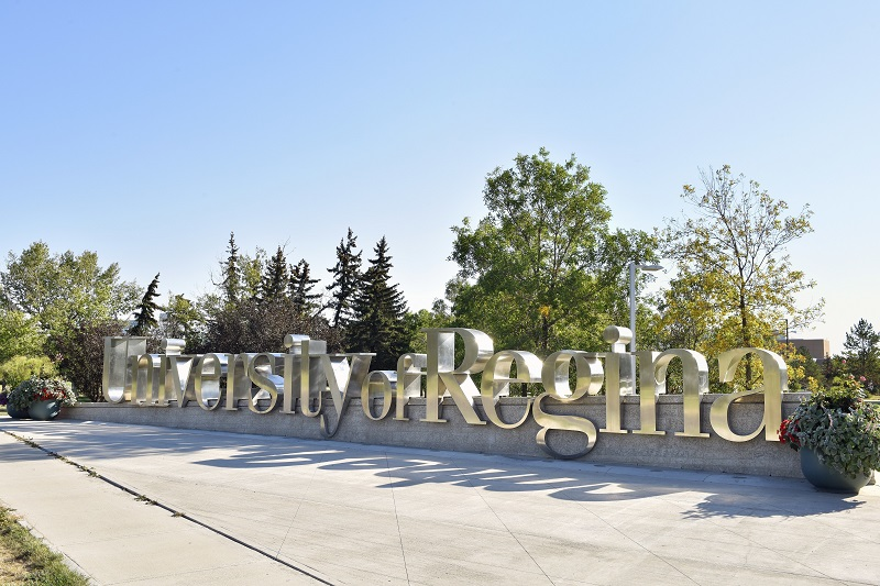 Entrance Scholarships at University of Regina in Canada 2020